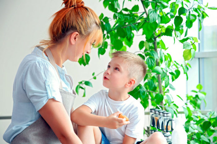 Madre hijo divorcio traumas familia