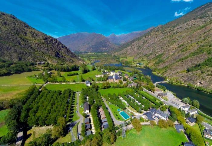 Nou Camping Pirineo, en La Guingueta, Lleida