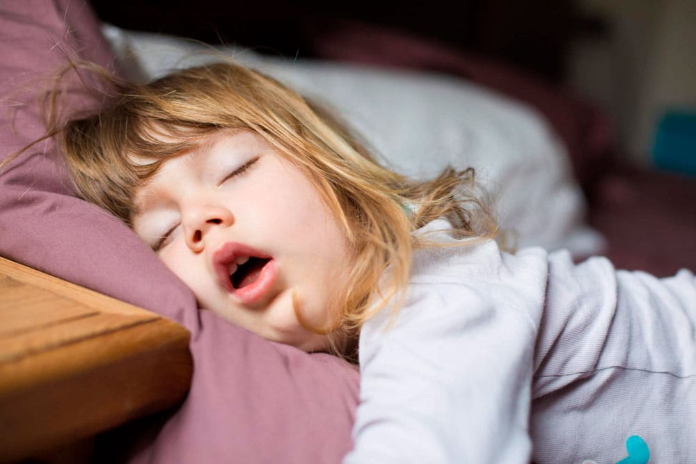 10 alimentos que ayudan a conciliar el sueño infantil