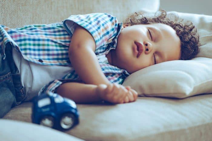 Alimentos que favorecen el sueño en bebés y niños