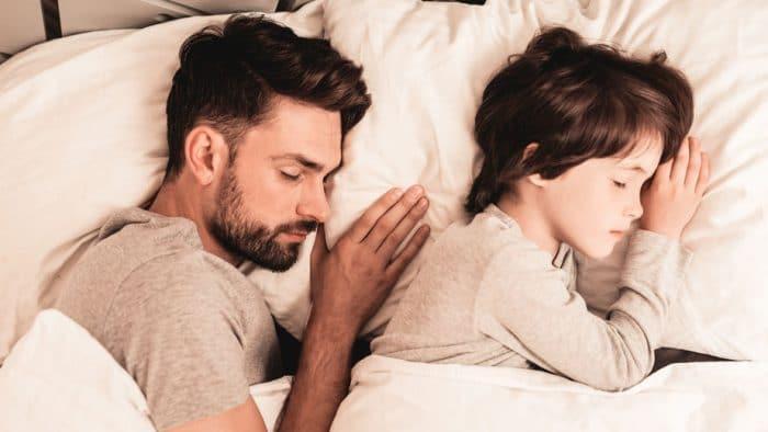 Acostarte con hijo hasta que se duerma