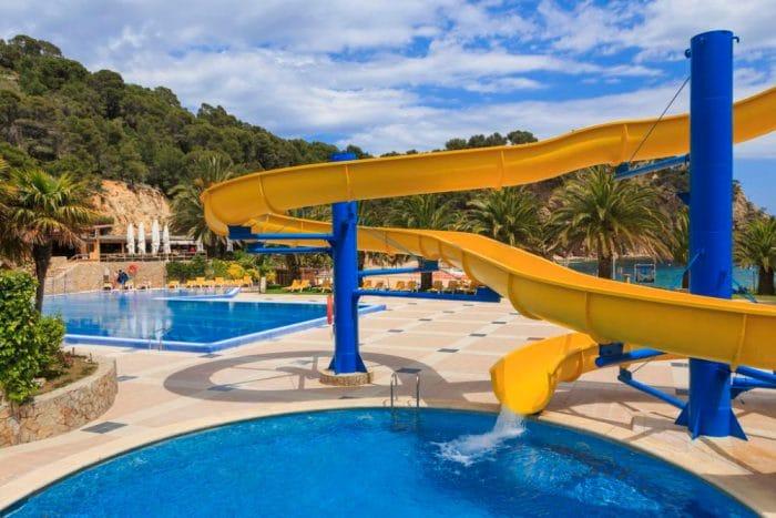 Hotel Giverola Resort, en Tossa de Mar, Girona, Cataluña