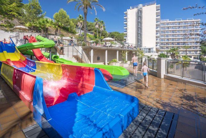 Hotel Oasis Park Splash, en Calella, Barcelona