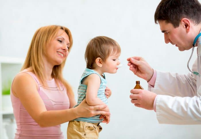 bebé vomita medicación