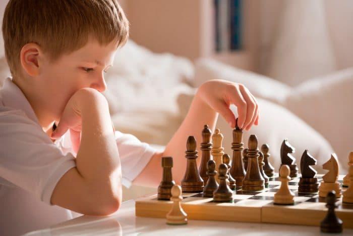 beneficios juego ajedrez niños