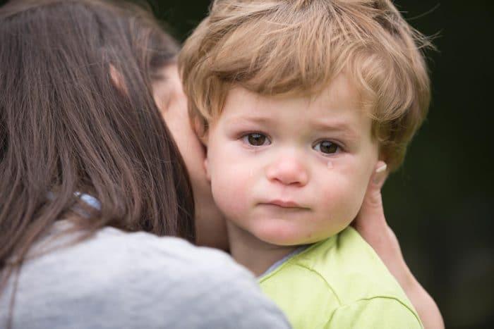 No dejes solo niño triste