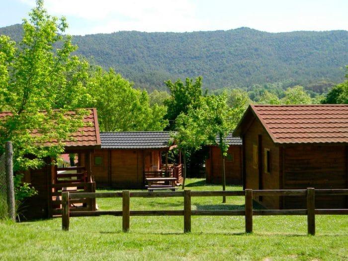 Camping la Vall de Campmajor, en Sant Miquel de Campmajor, Girona