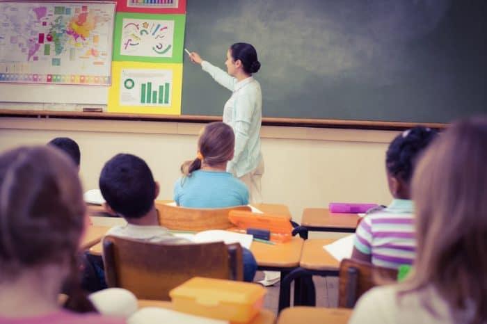 Padres niños Necesidades Educativas Especiales aulas