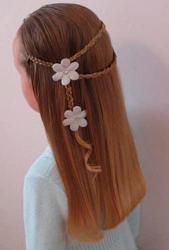 Peinado fácil para niña Cabello suelto con detalle de trenza