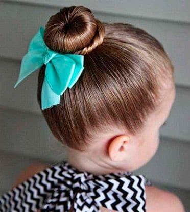 Peinado fácil niña Moño tradicional