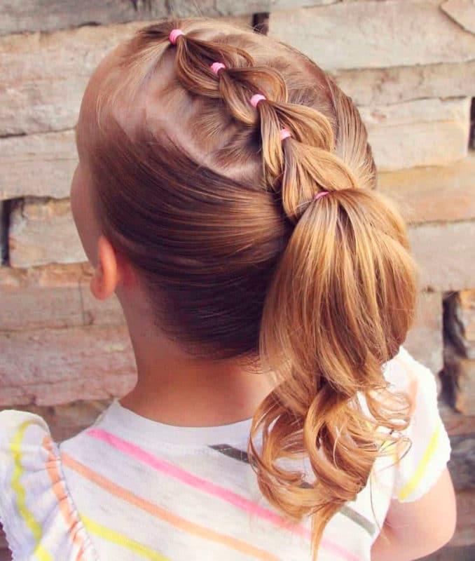Peinado niña Coleta con trenzas