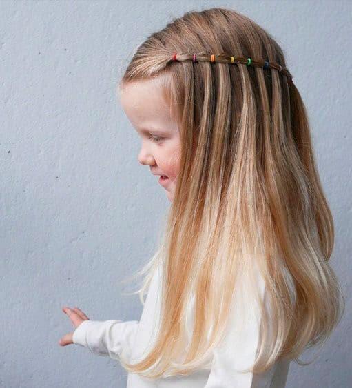 Peinado para niña Media trenza simulada
