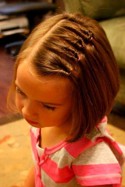 Peinado para niña Mini coletas invertidas