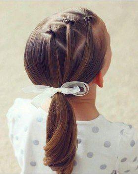 Peinado niña Trío de mini coletas invertidas