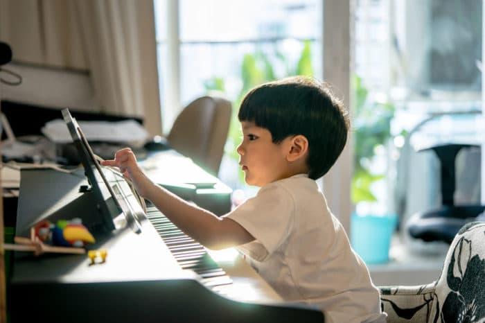 inteligencia niños instrumento musical
