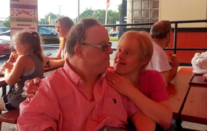 Sindrome Down pareja amor