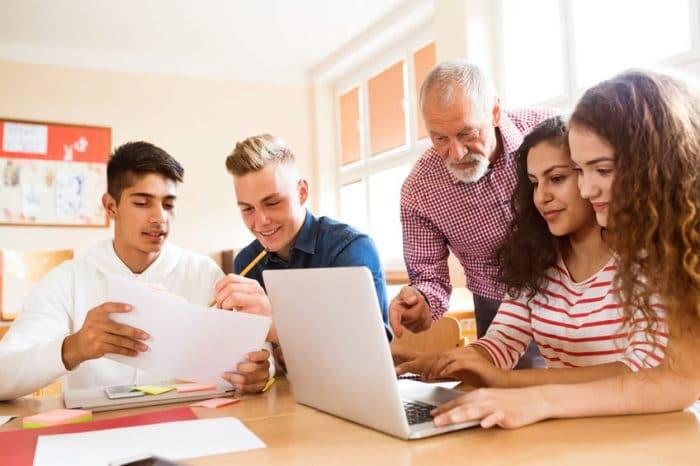 ¿Titulan en la ESO los alumnos con adaptaciones curriculares significativas?