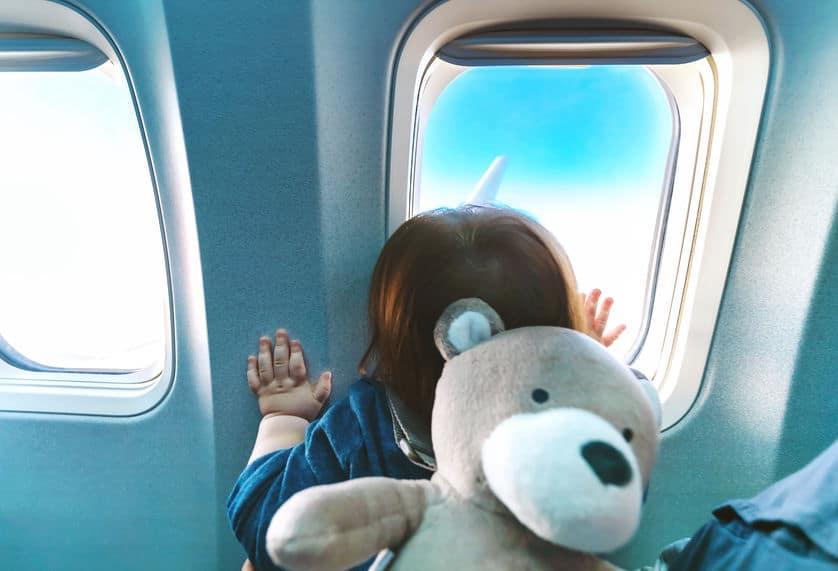 ¡Cuidado, bebé a bordo!: La polémica medida de Japan Airlines