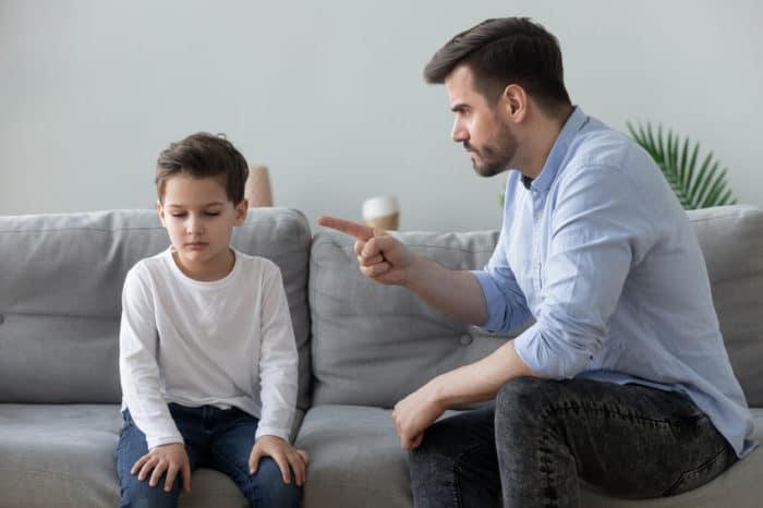 Hablar mal a los niños