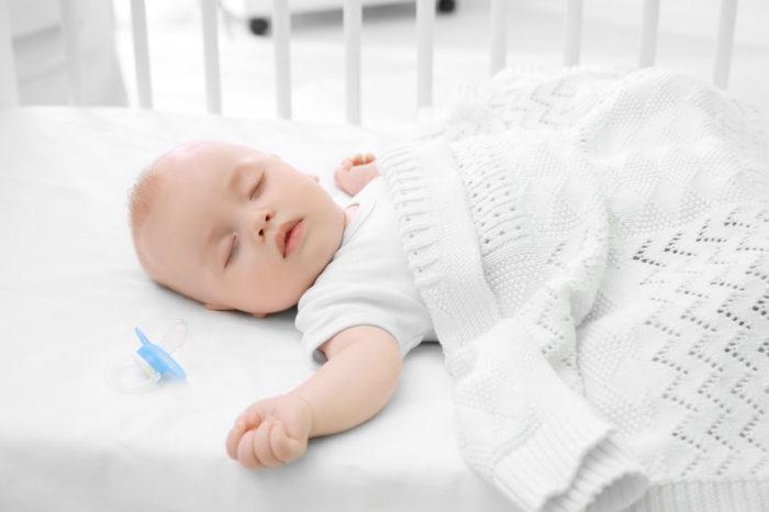 recién nacido duerme poco es inteligente