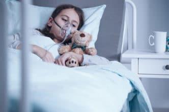 Coronavirus COVID-19 en bebés y niños