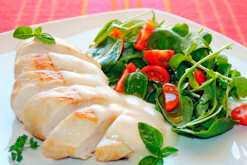 Receta Filetes de pollo en salsa blanca