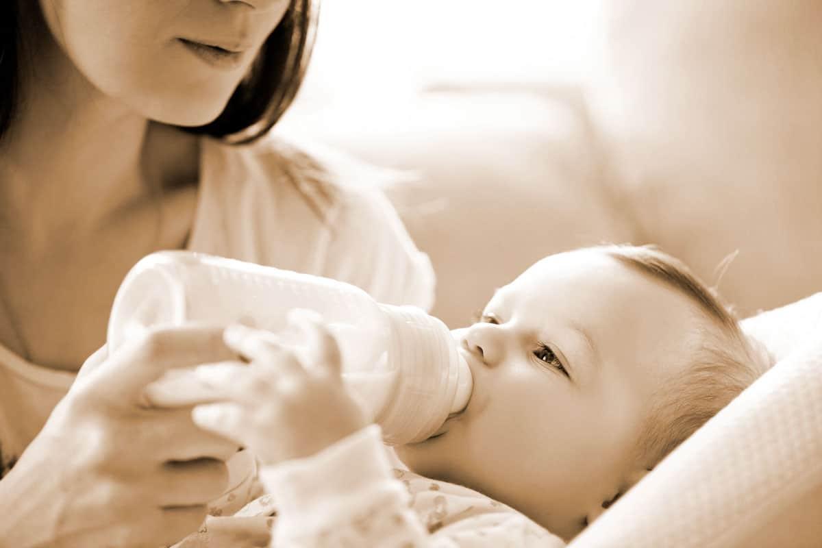 ¿Qué siente una mamá que no amamanta?