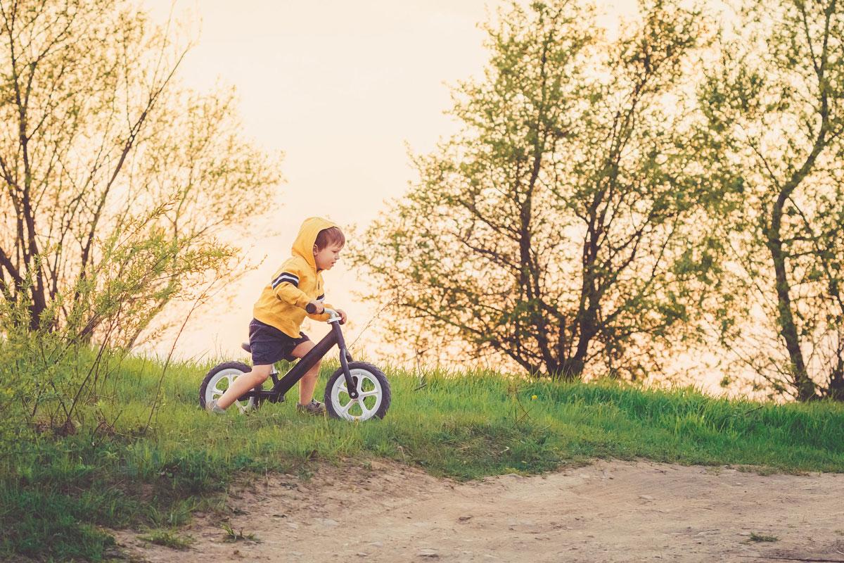7 beneficios de las bicicletas sin pedales para los niños