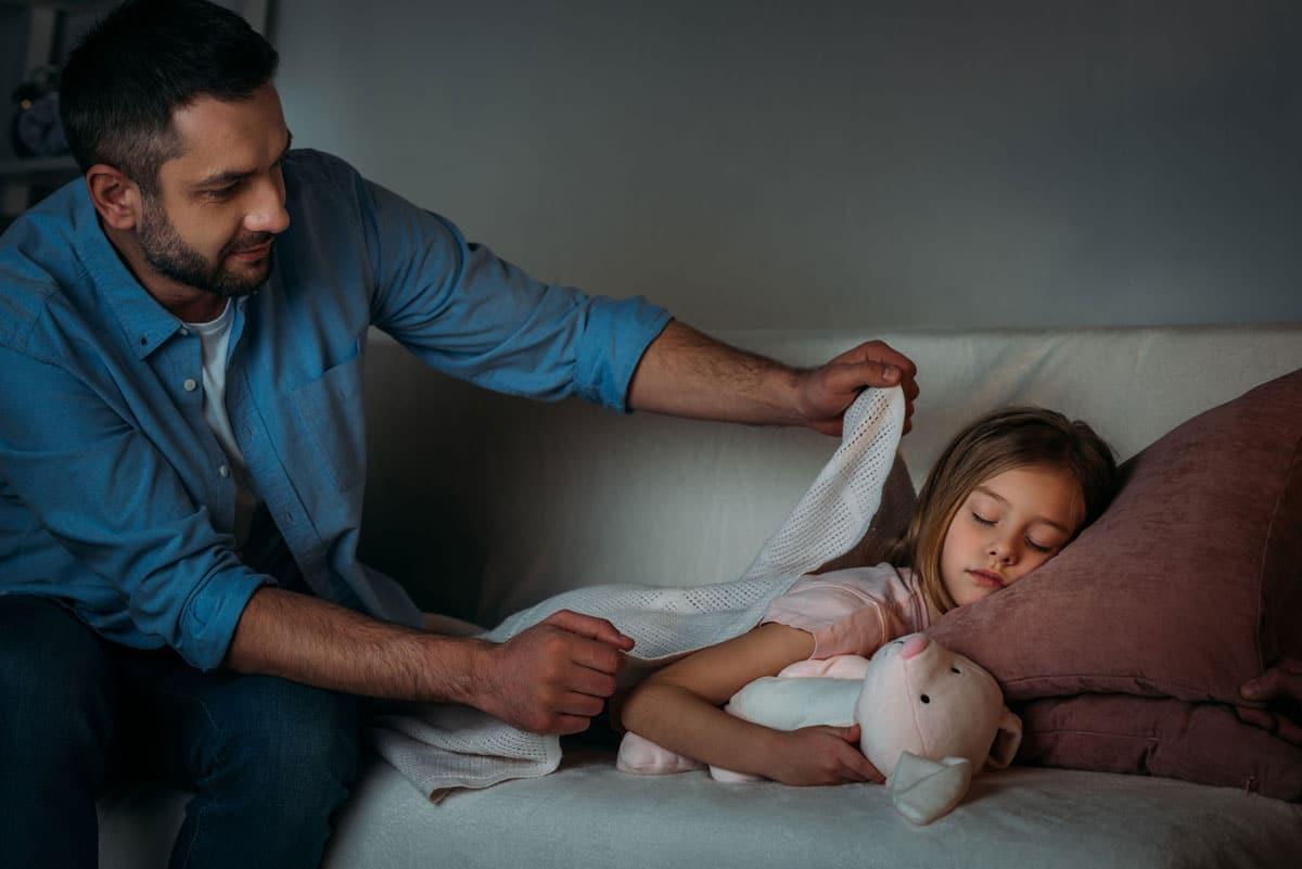 Por su bien, tus hijos deben ir a dormir temprano