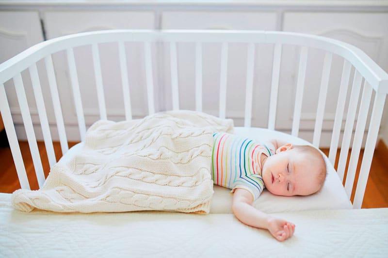 enseñar hijo bebé dormir