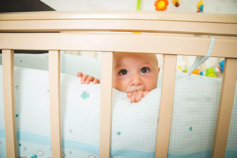 Bebés duermen menos