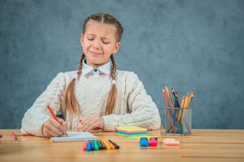 niños deberes escolares