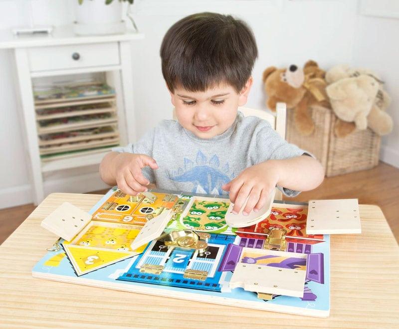 Tablero Montessori para bebés y niños