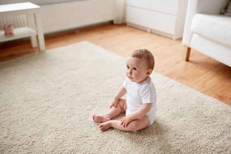 La sedestación: El hito de que el bebé empiece a sentarse solo