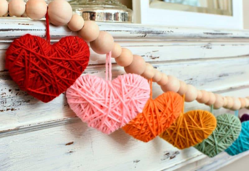 Manualidad San Valentin Corazones lana