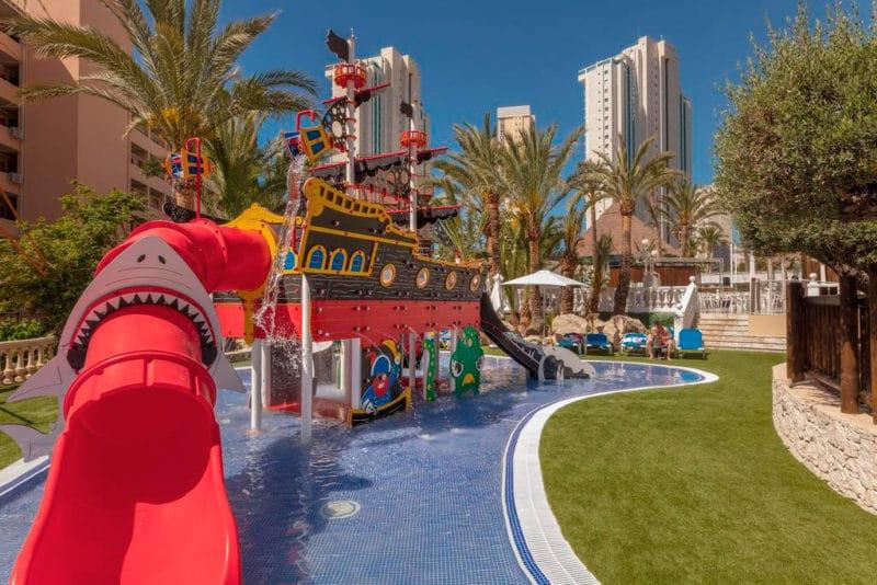 Apartotel Magic Tropical Splash Water Park, en Cala de Finestrat, Alicante