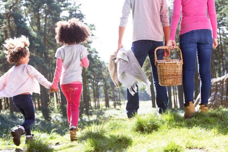 ¿Dónde comer con niños al aire libre?