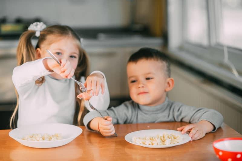 enseñar compartir niños