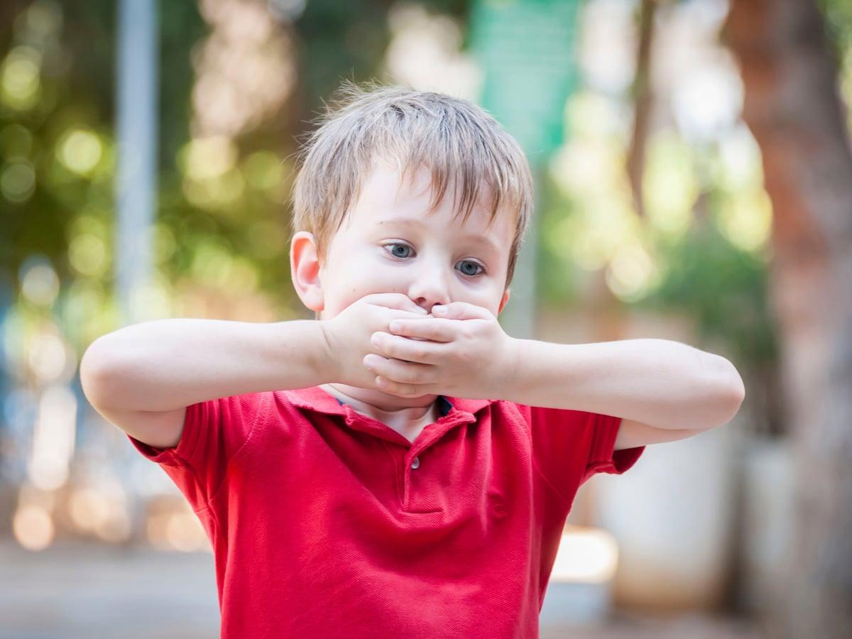 Por qué se produce el hipo en bebés y niños