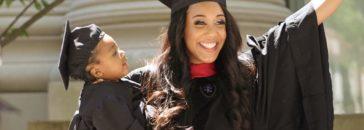 Madre soltera gradúa Harvard
